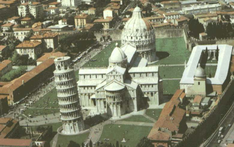 [IMG]http://www.bramarte.it/gotico/img/piazza%20dei%20miracoli.jpg[/IMG]